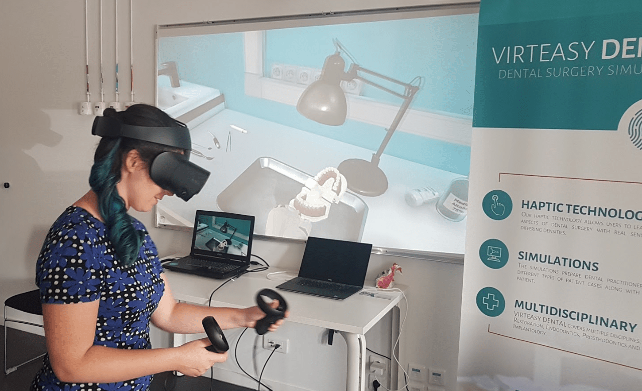 Woman_Demo VR Virteasy Dental
